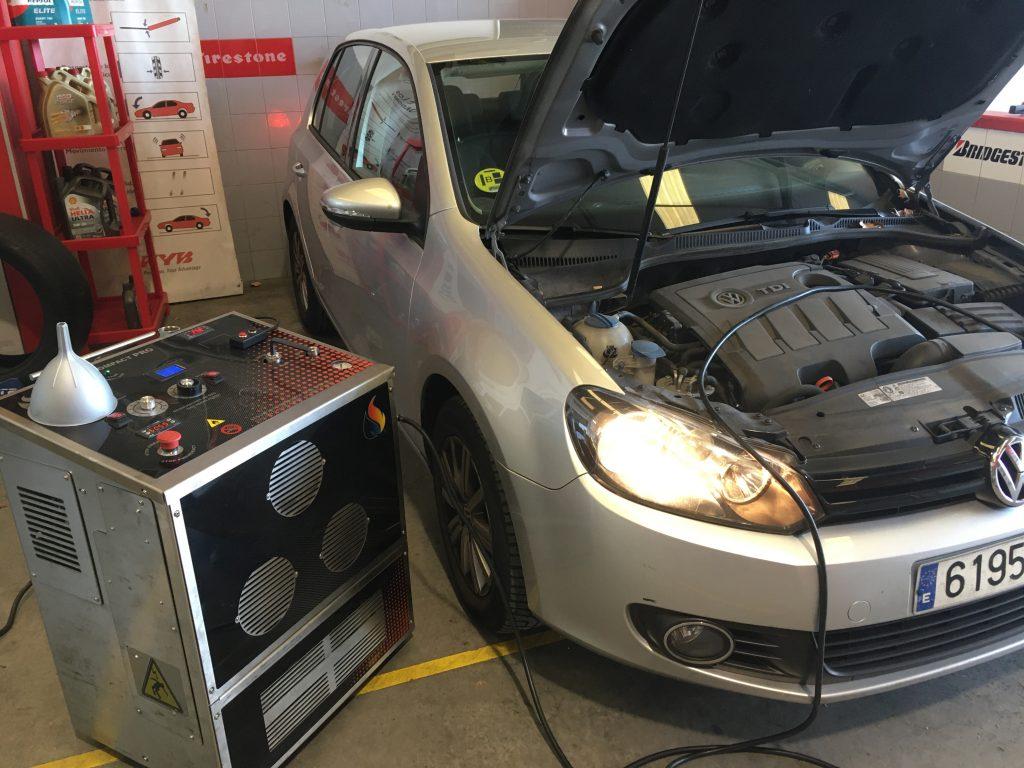Descarbonización de motor